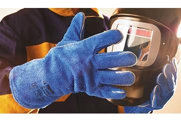 Рабочие перчатки: классы, виды и назначение
